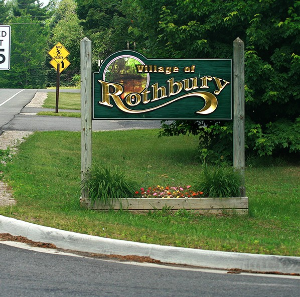 Rothbury welcome sign